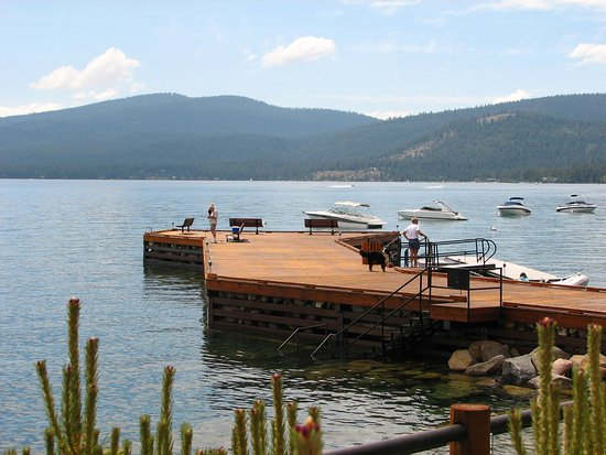 Brockway Springs Resort : Buoys avaialble for rent and pier for dropping off and picking up