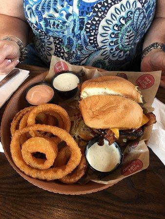 Mugshots Grill & Bar, Mobile - Restaurant Reviews, Photos & Phone