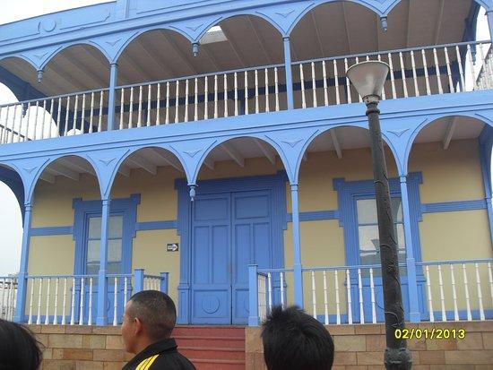 Callao, Περού: anina en la fortaleza 017_large.jpg