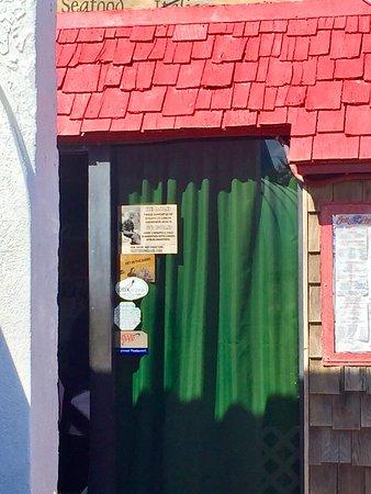 Jolly Roger Restaurant & Bar: photo1.jpg