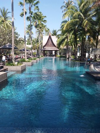 Twinpalms Phuket: Piscine extérieure de l hôtel