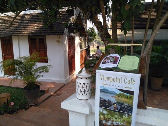 Viewpoint Cafe: entrance to the Cafe