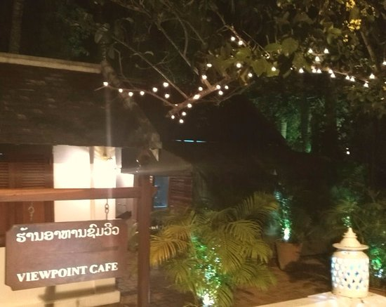 Viewpoint Cafe: nighttime (early evening)