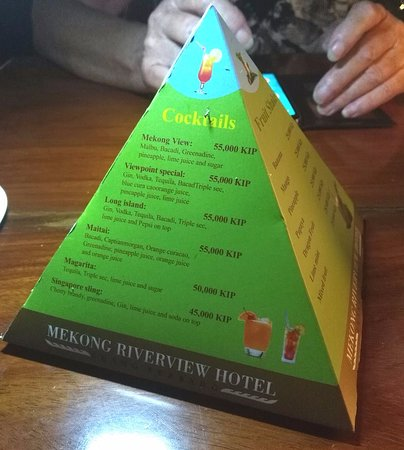 Viewpoint Cafe: Interesting pyramide drink menu