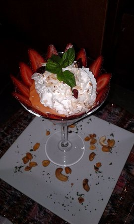 San Marcos La Laguna, Guatemala: Keith's magical chocolate pudding with caramel, strawberries, whipped cream and nuts