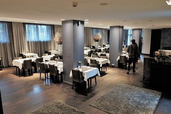 Mamaison Hotel Andrassy Budapest: breakfast/dining room