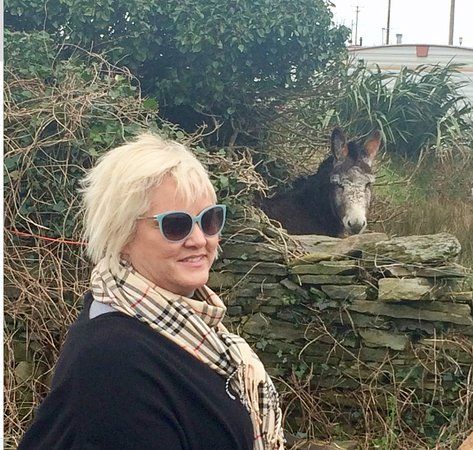Lahinch, Ireland: Joe here is a pic of me and my donkey😘🍀🇨🇮