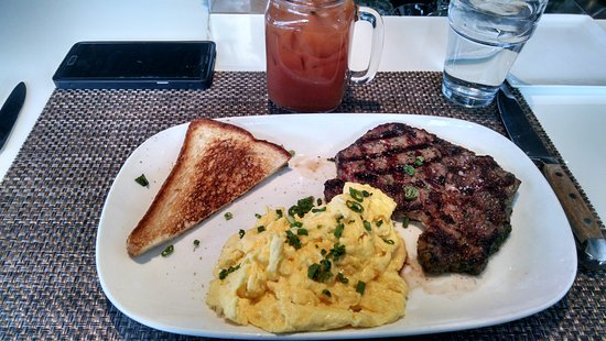 Mount Prospect, IL: Steak and Eggs