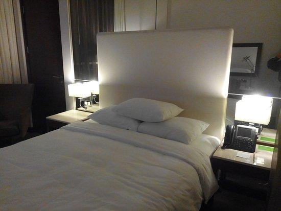 Хороший отель, уверенно можно бронировать.