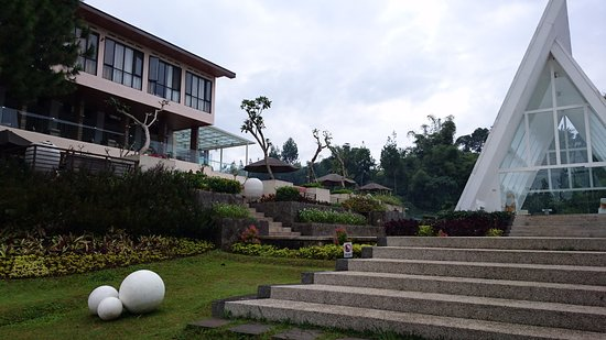 Green Forest Resort: A unique triangle building