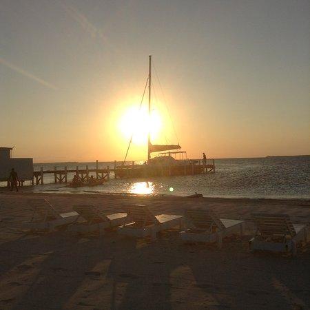 Caye Caulker, Belize: Sunset at Rendevous Caye
