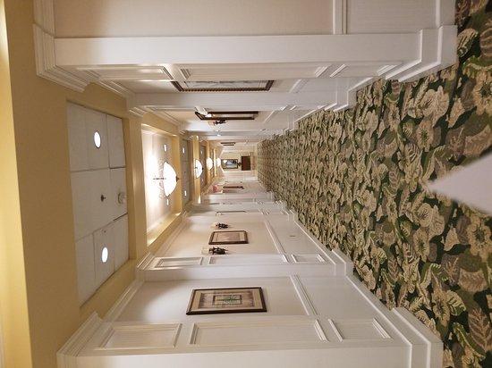 Monumental Hotel Orlando: 20170302_180054_large.jpg