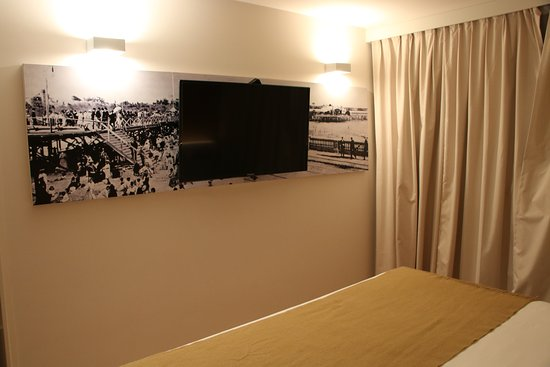 Own Montevideo: Deluxe Suite w King Bed