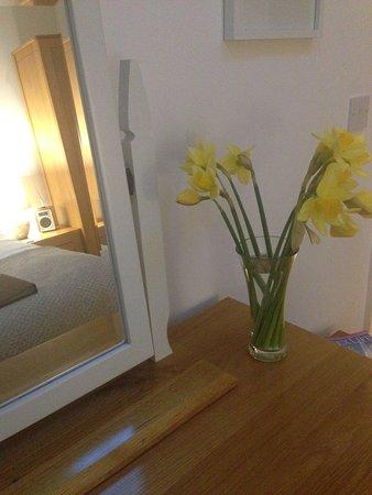 Sidlesham, UK: Fresh Flowers