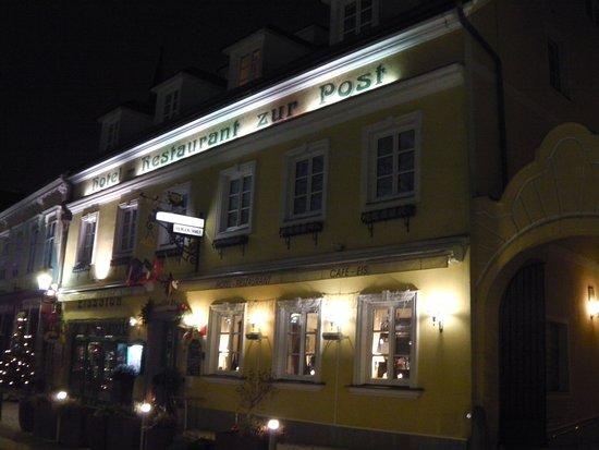 Hotel Restaurant zur Post: Zur Post: esterno notturno