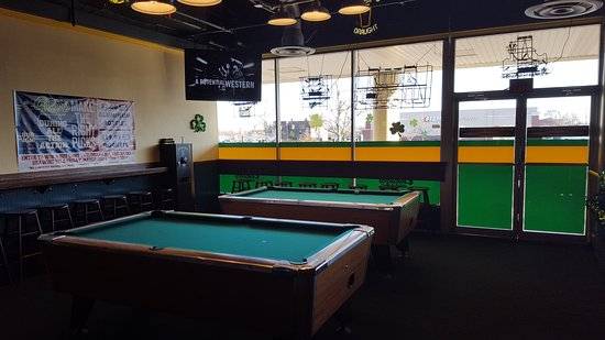 Chicago Sam's Sports Bar and Grille: Pool Tables