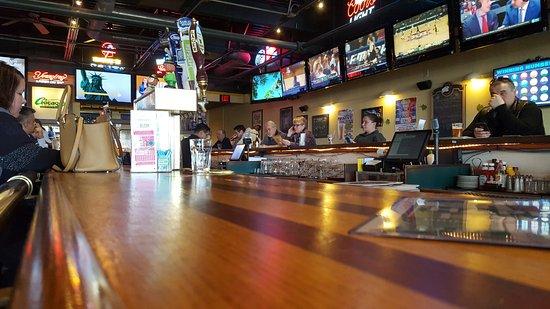 Enfield, CT: Bar Scene
