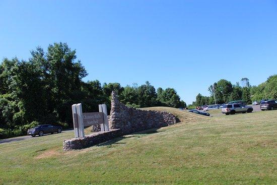 Wolcott, NY: Chimney Bluffs State Park