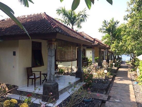 Temple Cafe & Seaside Cottages : photo1.jpg
