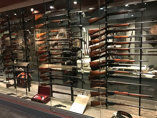 Fairfax, VA: NRA National Firearms Museum