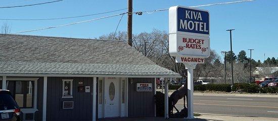 Exterior of the Kiva Motel