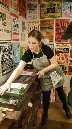 Hatch Show Print: Guiding us on how to make our own poster souvenir
