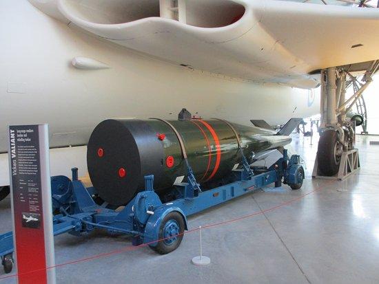 Shifnal, UK: Yellow Sun nuclear bomb under wing of Valiant V-Bomber