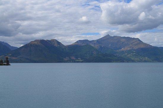 Queenstown, New Zealand: Lake3