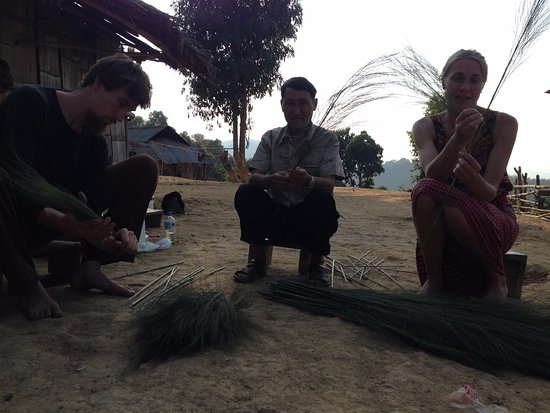 Luang Namtha, Laos: learn the local practice