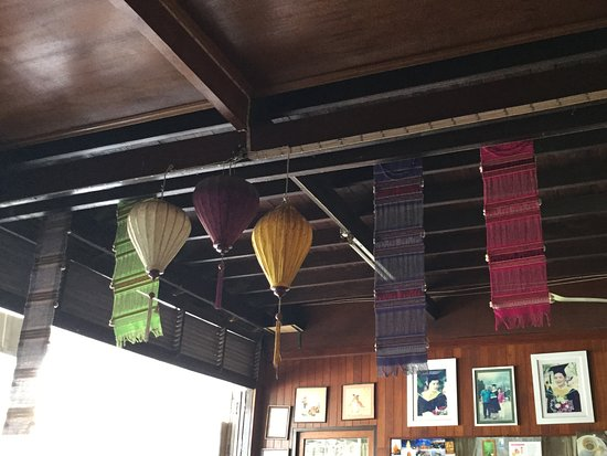 Auntie's Coffee: Interior decoration