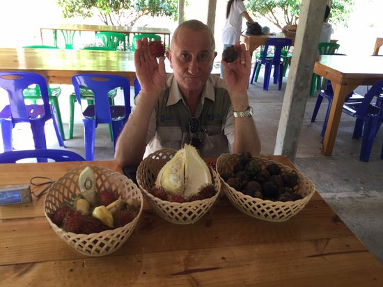 Rayong, Tailandia: Durian and Mangosteen at Suan Saengdad