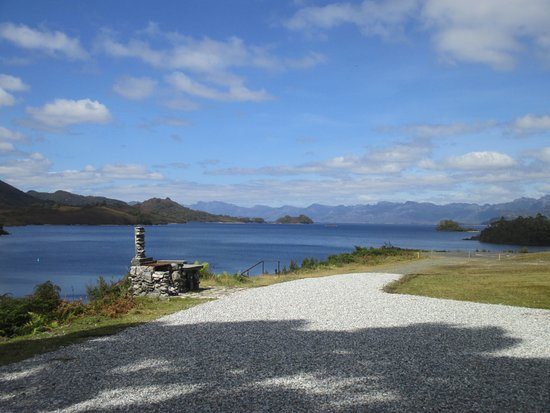 Strathgordon, Australia: View from the restaurant on Lake Pedder