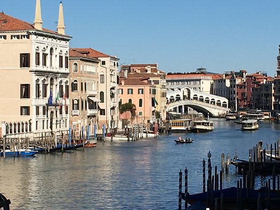 Sina Palazzo Sant'Angelo: We stayed here for a quick weekend in Venice! Views from the room!