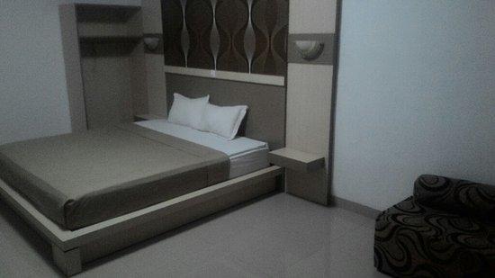 Pondok Eka: Room