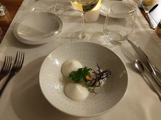 Senonches, Frankrike: Un excellent dîner et service.  Des produits frais et de saison avec une explosion de saveurs su