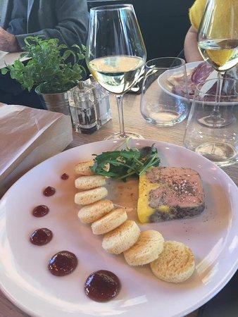belle tranche de foie gras maison confiture de figues mini brioches photo de chez papa nice. Black Bedroom Furniture Sets. Home Design Ideas