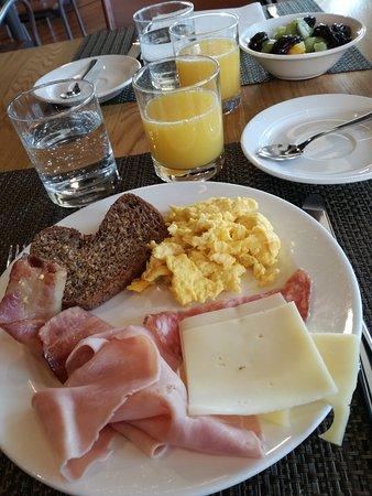 BEST WESTERN PLUS Hotel Bologna - Mestre Station: IMG_20170312_080051_large.jpg