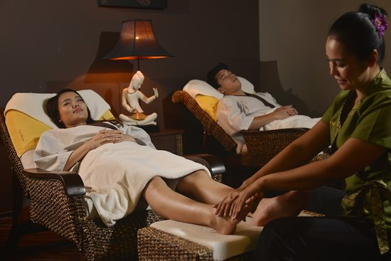 Thai Odyssey: Traditional Foot Massage