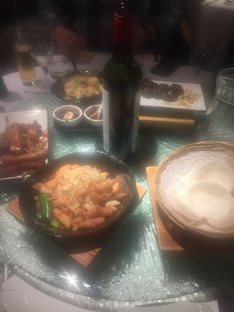 Photo of Chinese Restaurant The Good Earth at 143-145 The Broadway, London NW7 4RN, United Kingdom