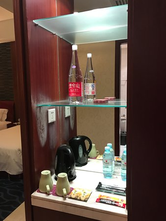 Merchantel Hotel: Room