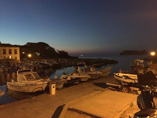 Ersa, França: Il porticciolo di Barcaggio