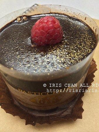 Cafe Cova, Hong Kong: Chocolate mousse cake