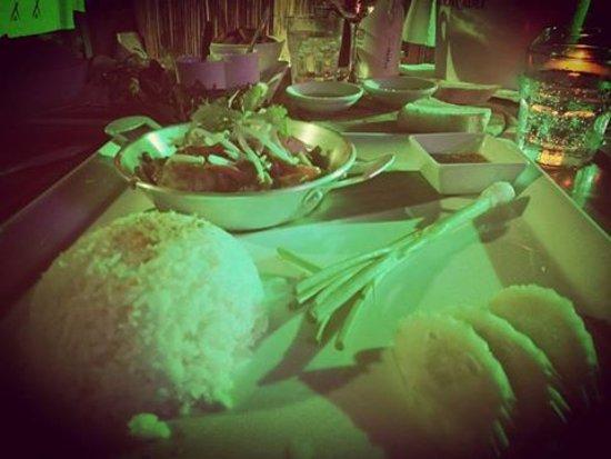 Lipa Noi, Thailand: repas