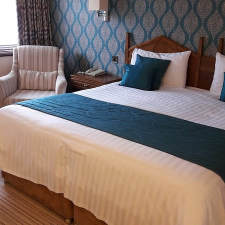 Crooklands Hotel: Lovely, comfortable bed.