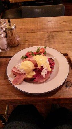 Greater London, UK: Eggs Benedict