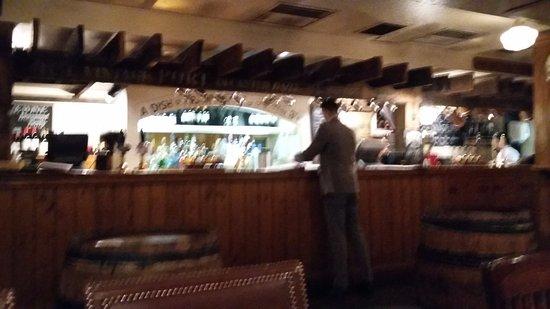 Champagne Charlies: The bar,