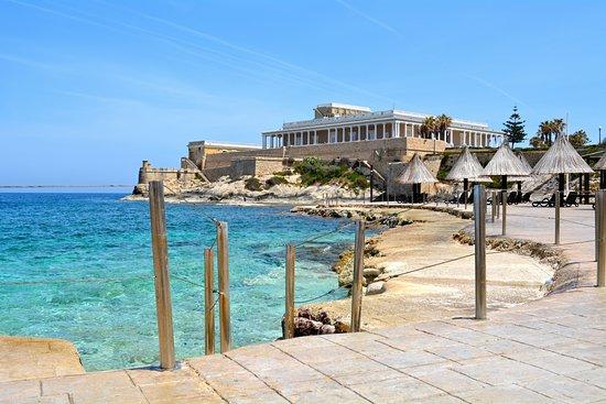 The Westin Dragonara Resort, Malta: gorgeous beachfront