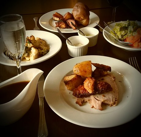 Woolpit, UK: Sunday lunch @ The Bull Inn