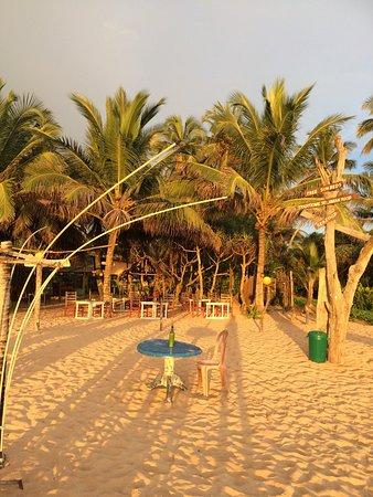 Awanhala Beach Restaurant : photo0.jpg