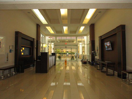 Holiday Inn Express & Suites Photo